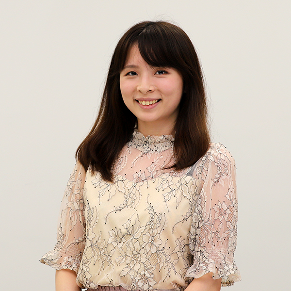 Zoe Yeung Trading Desk Team Leaderの顔写真